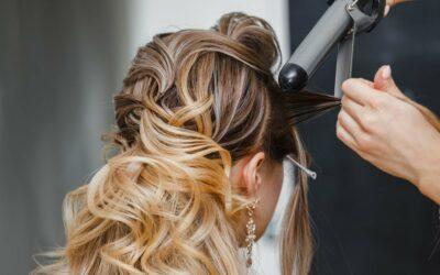 Devenir coiffeur à domicile après un CAP Métiers de la coiffure